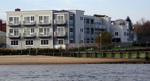 Harborfront Inn Back