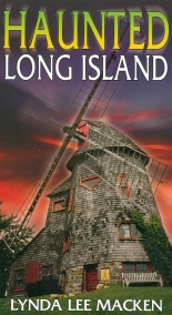 Cover of Haunted Long Island by Lynda Lee Macken