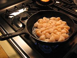 Frying scallops